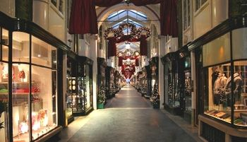 Hotels in London for Christmas Shopping
